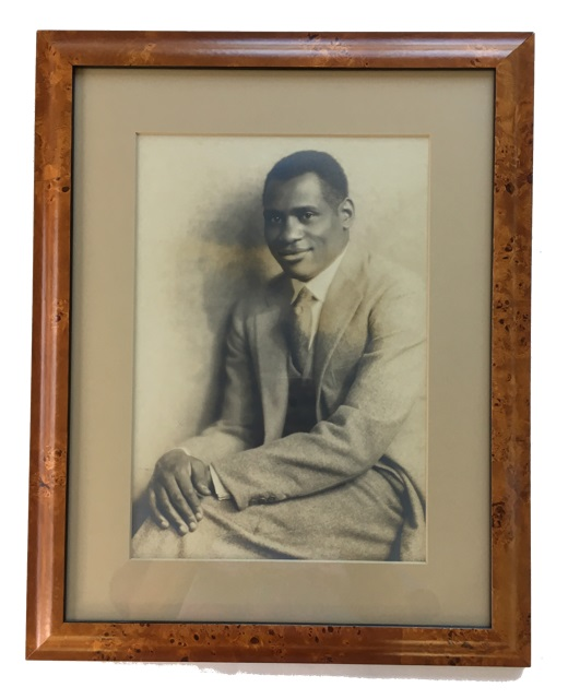 Photograph probably from the 1940s. Paul Robeson.
